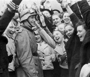 Austrians welcome NAZIs