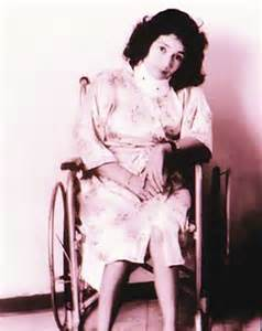 <i>Leonor La Rosa Bustamante</i>